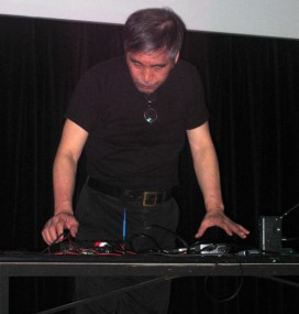 tetsuo_performing